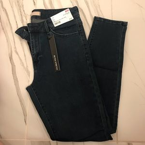 🏷 NWT. Ultra Stretch Skinny Jeans, Ankle Length.